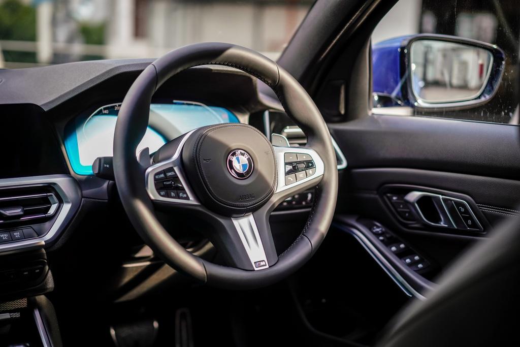 BMW 330e M Sport ra mat Malaysia anh 8