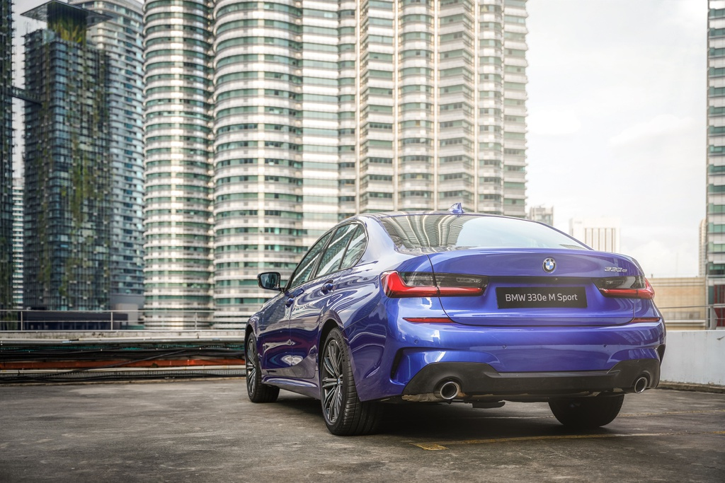 BMW 330e M Sport ra mat Malaysia anh 4