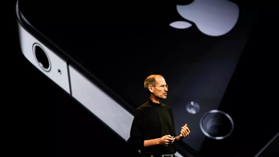 iPhone 4, Tinder va nhung khoanh khac cong nghe an tuong nhat thap ky hinh anh 1 Z13816122019.jpg