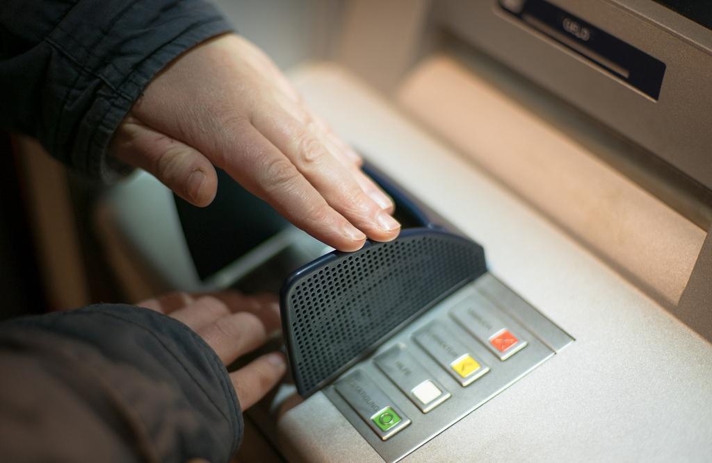 Tin tac bien may ATM tu dong nha tien anh 3