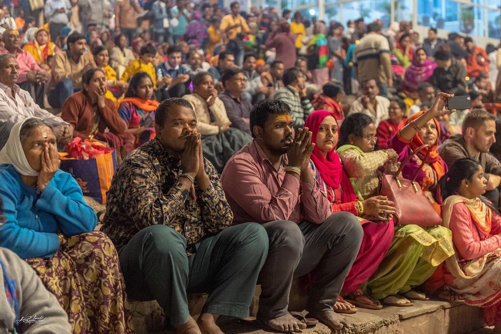 Dao buoc Varanasi, thanh pho ky bi ben song Hang hinh anh 6 HKE1929.jpg