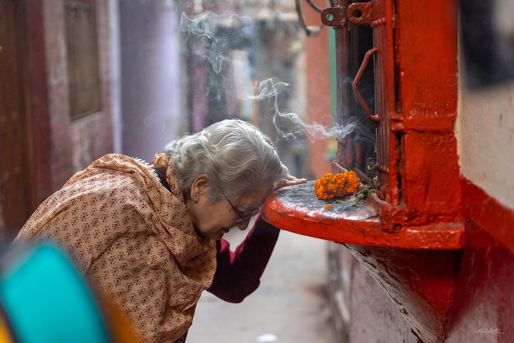 Dao buoc Varanasi, thanh pho ky bi ben song Hang hinh anh 8 HKE4225.jpg
