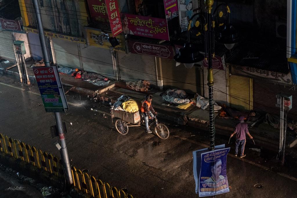 Dao buoc Varanasi, thanh pho ky bi ben song Hang hinh anh 2 HKE4417.jpg