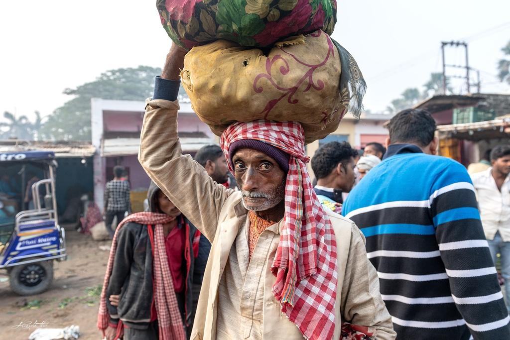 Dao buoc Varanasi, thanh pho ky bi ben song Hang hinh anh 13 HKE9938.jpg