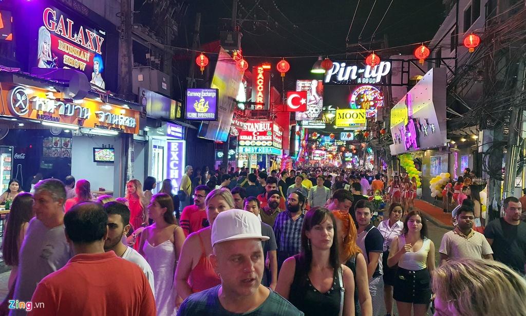 Tu diem an choi bac nhat Pattaya luc 0h hinh anh 2 sexshow_zing_4_.jpg