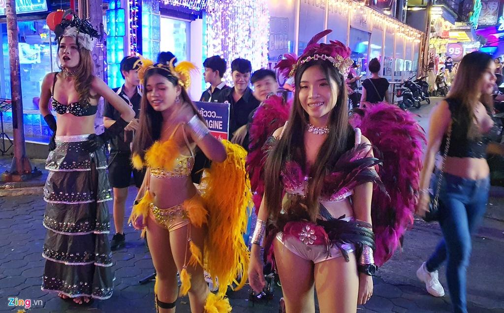 Tu diem an choi bac nhat Pattaya luc 0h hinh anh 6 sexshow_zing_6_.jpg