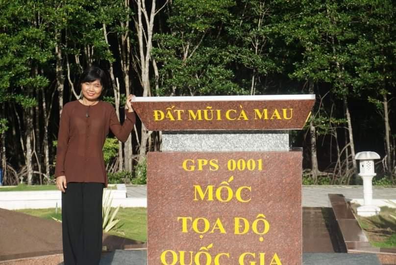 Co gai Tra Vinh bo viec, di bo gan 2.500 km doc Viet Nam trong 51 ngay hinh anh 3 d23.jpg