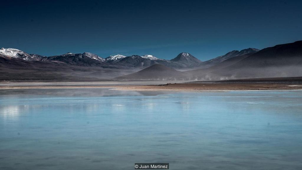 Cảnh siêu thực quanh cánh đồng muối lớn nhất thế giới Zing_a11