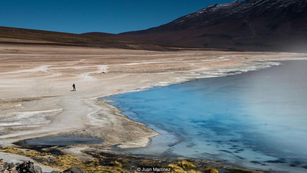 Cảnh siêu thực quanh cánh đồng muối lớn nhất thế giới Zing_a12