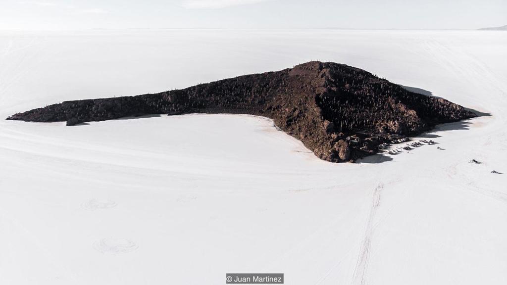 Cảnh siêu thực quanh cánh đồng muối lớn nhất thế giới Zing_a2