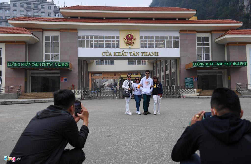 Cho Tan Thanh nhung ngay dich Covid-19 hinh anh 3 3_cua_khau_Tan_Thanh_zing17.jpg