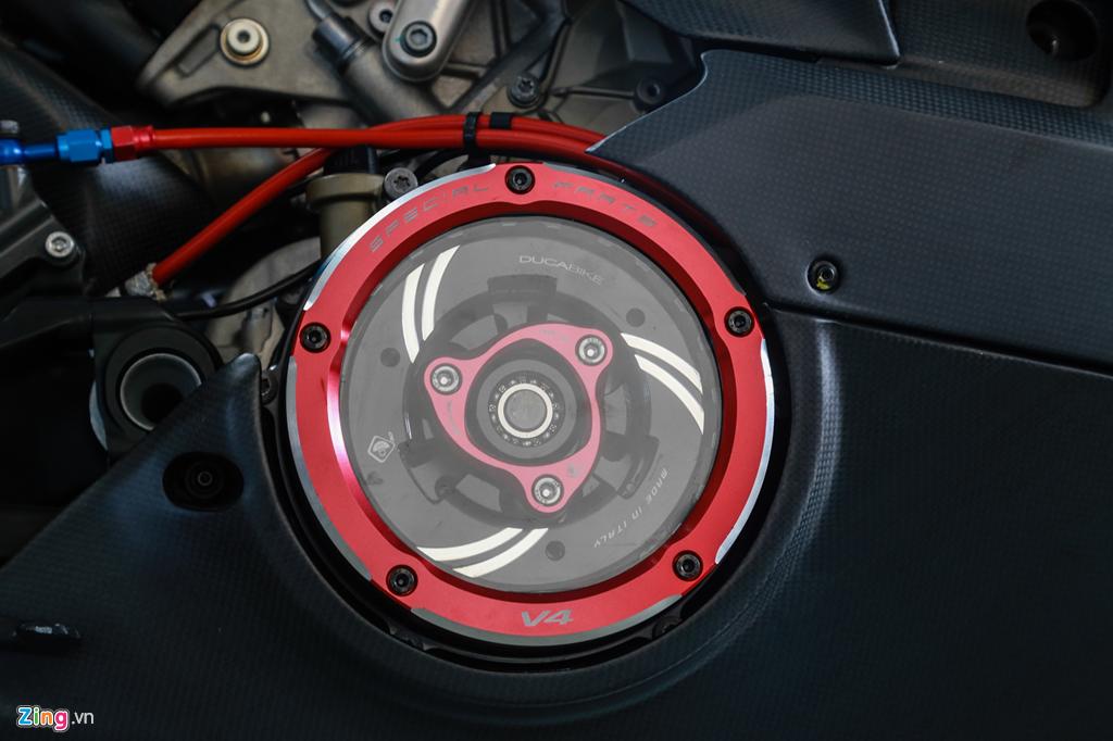 Dan choi Sai Gon bo 800 trieu do Ducati V4 S thanh V4 R full-carbon hinh anh 5