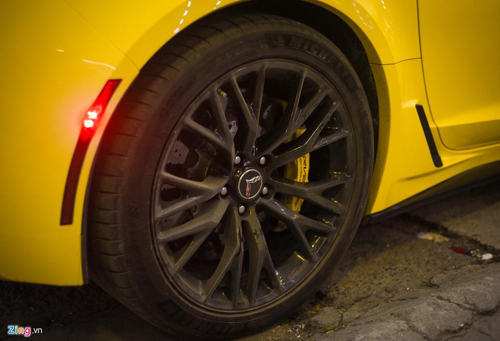 Ngam Chevrolet Corvette C7 Z06 doc nhat Ha Noi xuat hien tren pho hinh anh 9