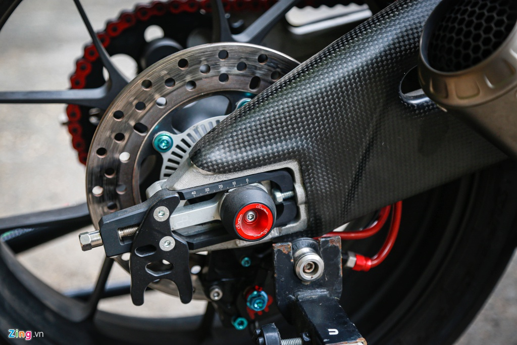 Aprilia RSV4 do theo phong cach MotoGP ton 400 trieu hinh anh 11 RSV4_GP_zing_(9).jpg