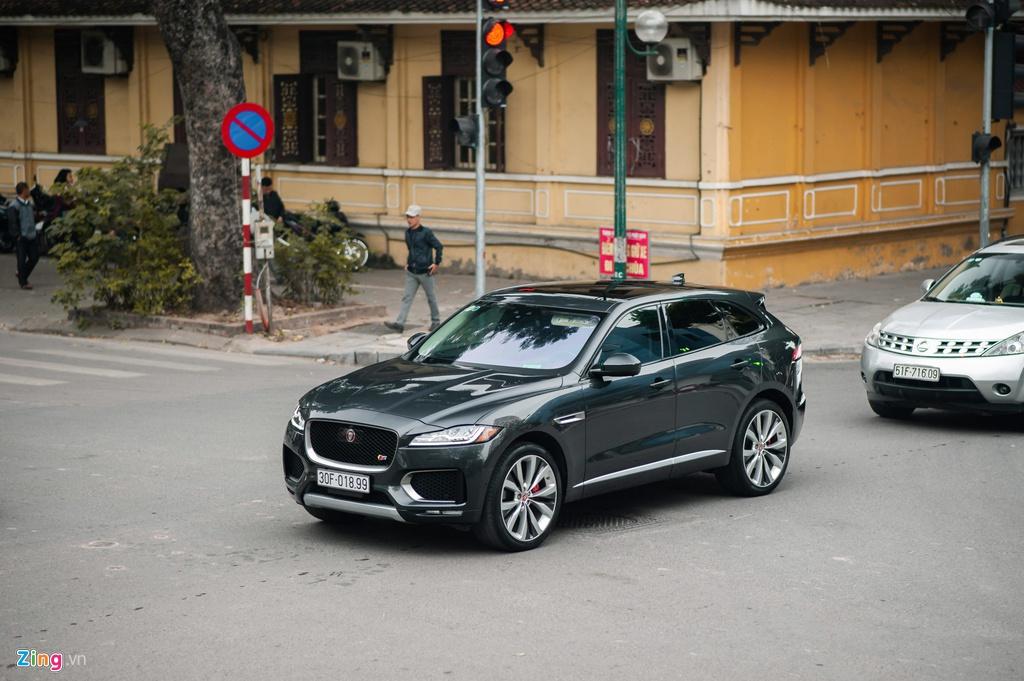 SUV hang sang Jaguar F-Pace S doc nhat VN xuat hien tren pho Ha Noi hinh anh 2 Jaguar_F_Page_SLine_zing_1_.jpg