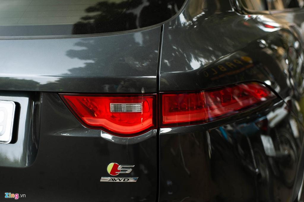 SUV hang sang Jaguar F-Pace S doc nhat VN xuat hien tren pho Ha Noi hinh anh 4 Jaguar_F_Page_SLine_zing_21_.jpg