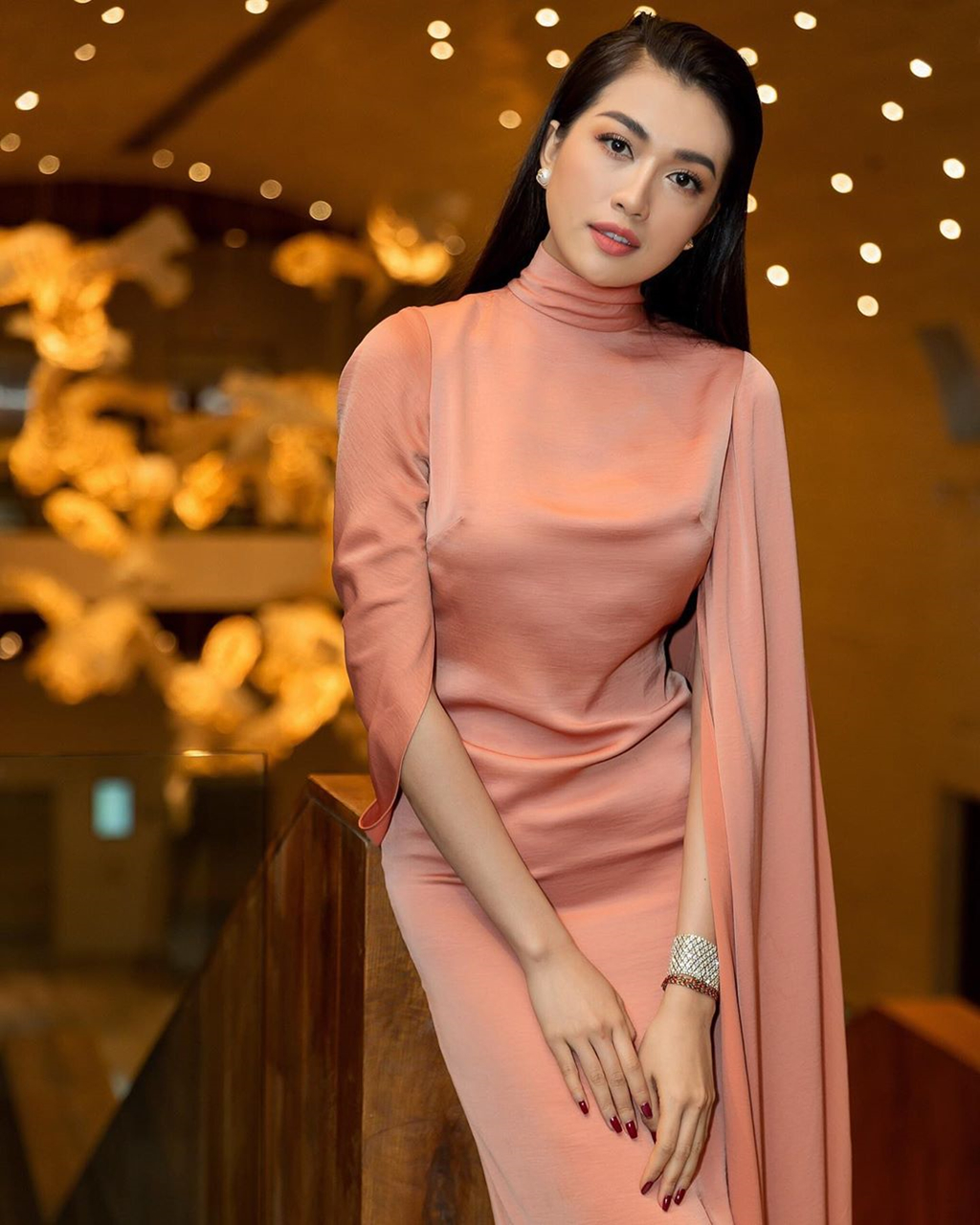 Top 5 Hoa hau Hoan vu Viet Nam - nguoi roi showbiz, nguoi cuoi dai gia hinh anh 9