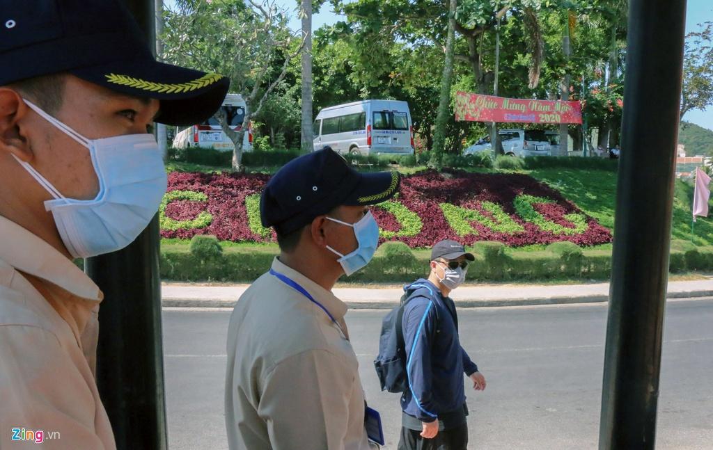 So virus corona, khach Trung Quoc bit khau trang kin mit o Nha Trang hinh anh 13 15_zing.jpg