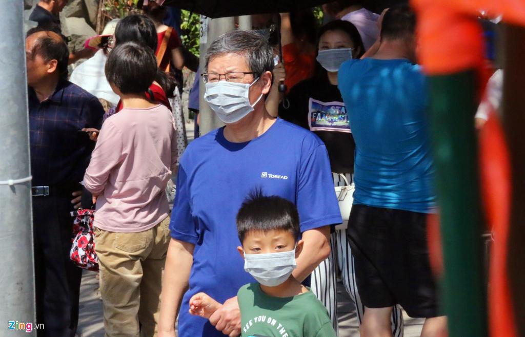 So virus corona, khach Trung Quoc bit khau trang kin mit o Nha Trang hinh anh 6 7_zing.jpg