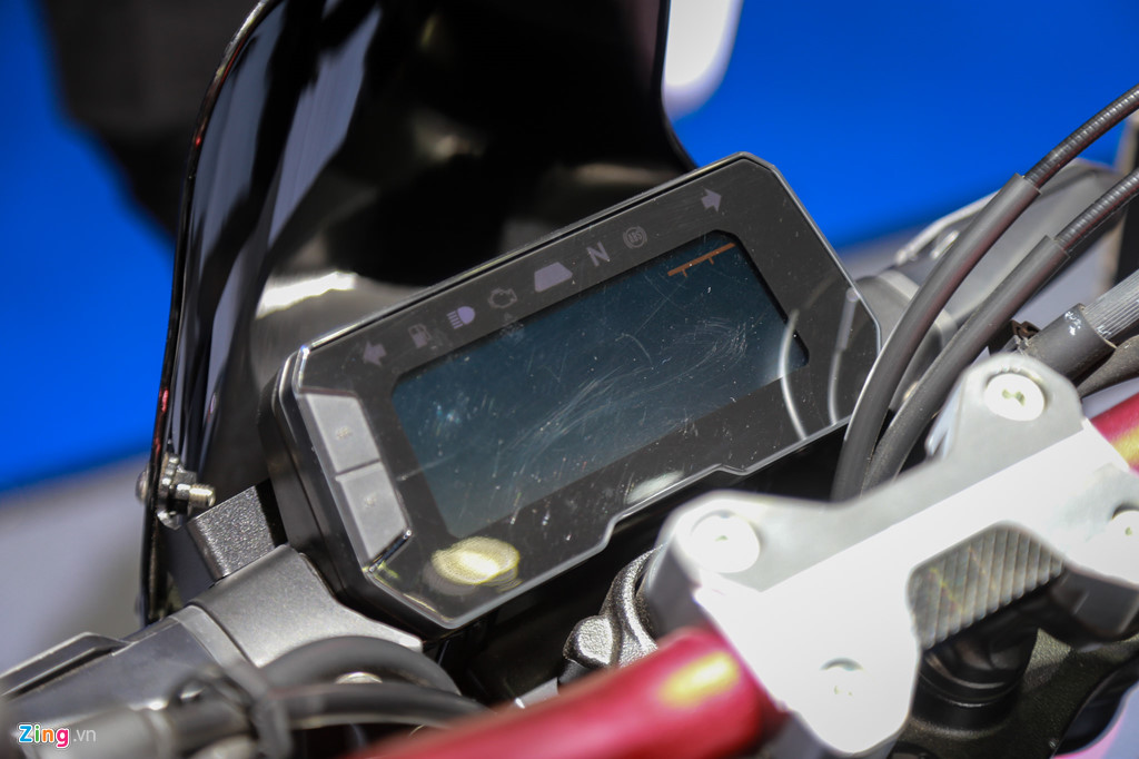 Cung muc gia 140 trieu, chon Honda CB300R hay Yamaha MT-03? hinh anh 8