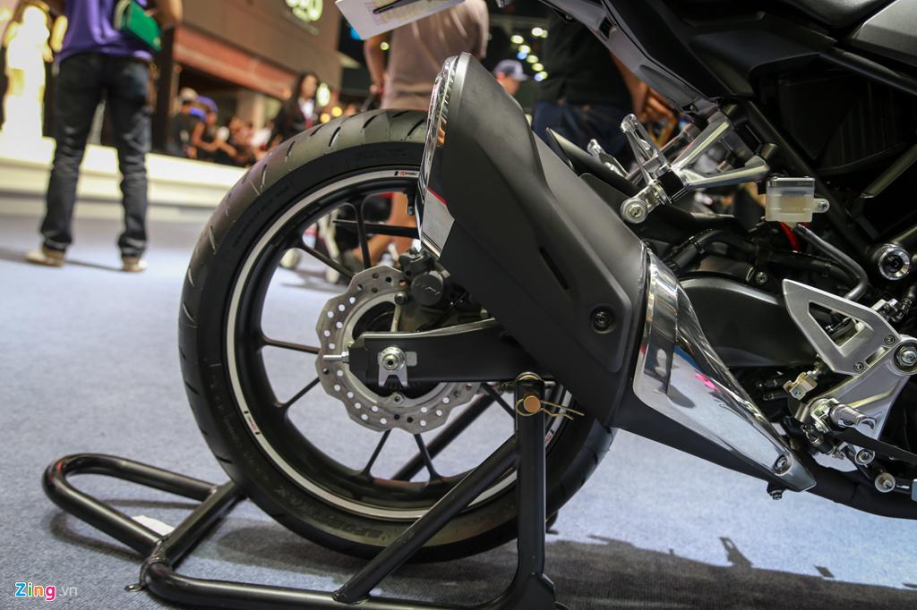 Cung muc gia 140 trieu, chon Honda CB300R hay Yamaha MT-03? hinh anh 6