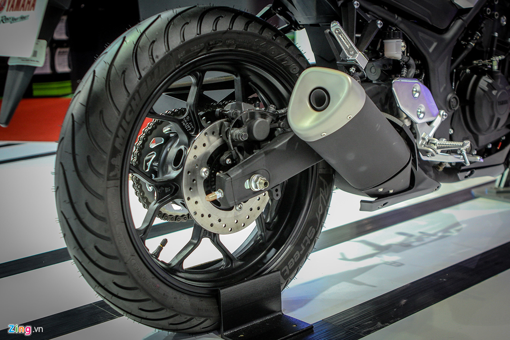 Cung muc gia 140 trieu, chon Honda CB300R hay Yamaha MT-03? hinh anh 7