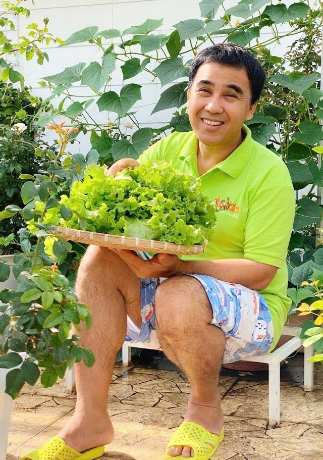 Quyen Linh: 'Nhieu nguoi den tan nha toi ke kho, xin tien' hinh anh 3 91418265_521950065409674_5499399438604435456_n.jpg