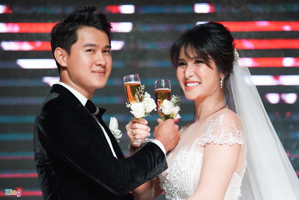 Thao Trang cuoi ban trai kem anh 2