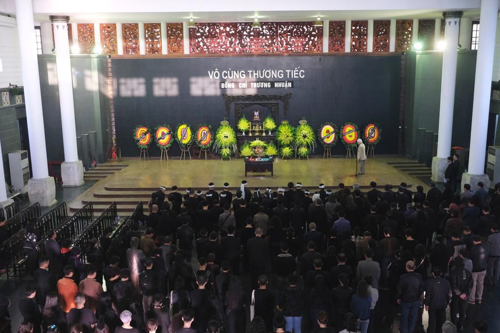 Xuan Bac, Bao Thanh va dong dao nghe si tien dua Truong Nhuan hinh anh 1 XXPT6619.JPG