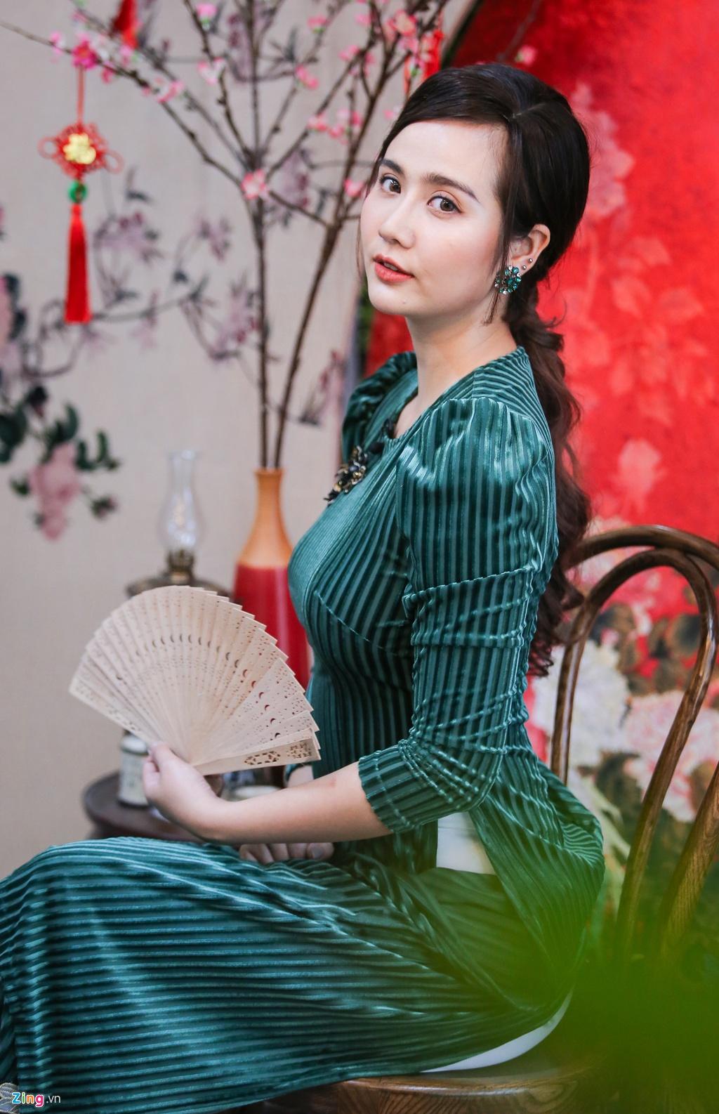 Huyen Lizzie sau ly hon: 'Minh noi loan cung chang sao' hinh anh 3 IMG_1374_zing.jpg