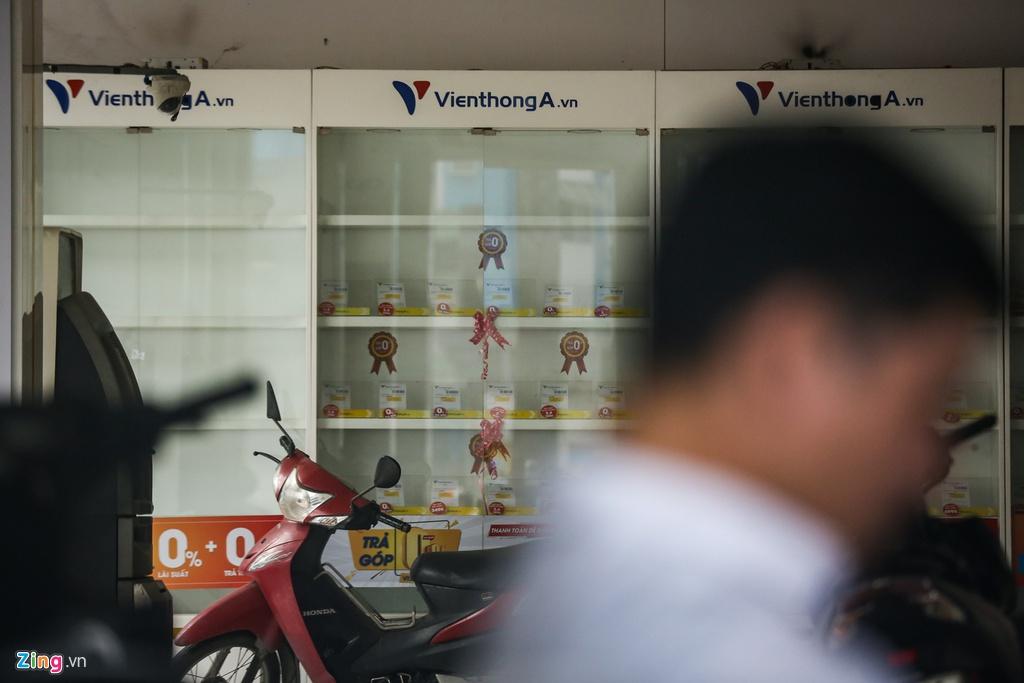 Chuoi cua hang Vien Thong A dong cua dong loat hinh anh 8 VienthongA_zing_11.jpg