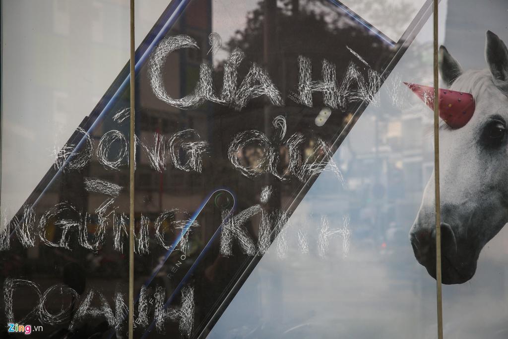 Chuoi cua hang Vien Thong A dong cua dong loat hinh anh 7 VienthongA_zing_7.jpg