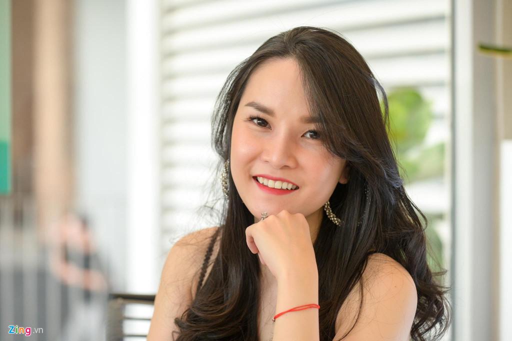 Truong nhom May Trang: 'Ly hon vi cai nhau voi me chong nhu com bua' hinh anh 1