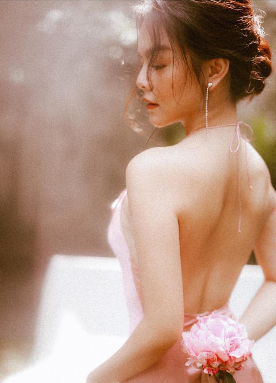 Pham Quynh Anh lan hiem hoi dang anh mac bikini hinh anh 9