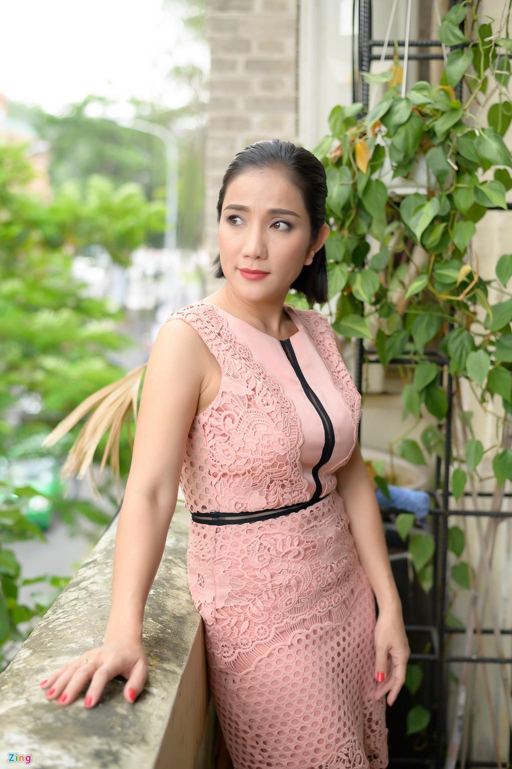 Cat Tuong: 'Toi giau con gai chuyen yeu ban trai kem 10 tuoi' hinh anh 4