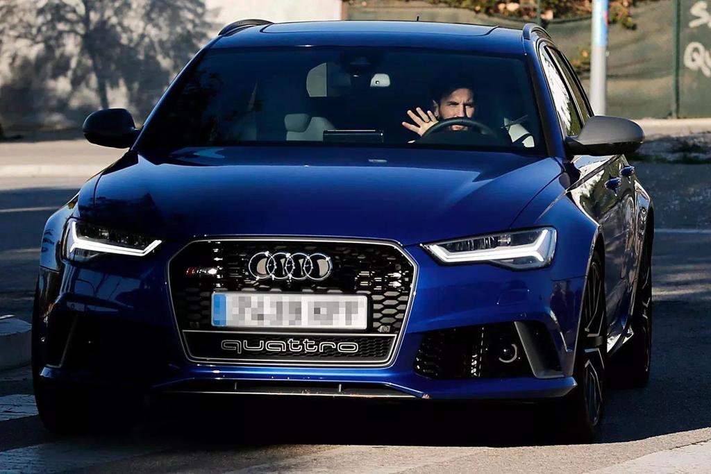 Duong ai nay di, Audi doi lai xe sang da tang cac cau thu Barcelona hinh anh 2