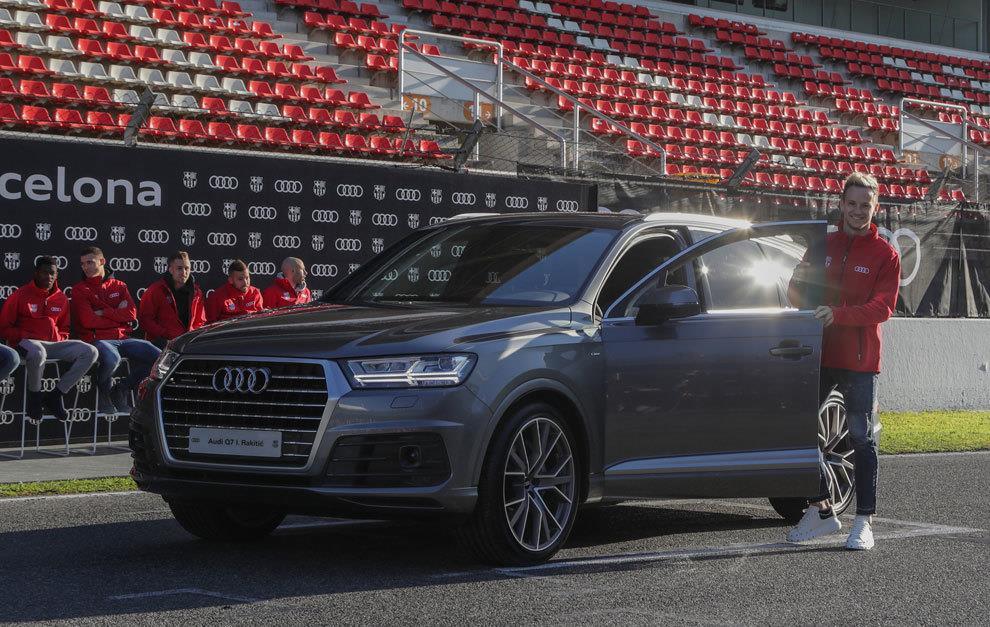 Duong ai nay di, Audi doi lai xe sang da tang cac cau thu Barcelona hinh anh 5