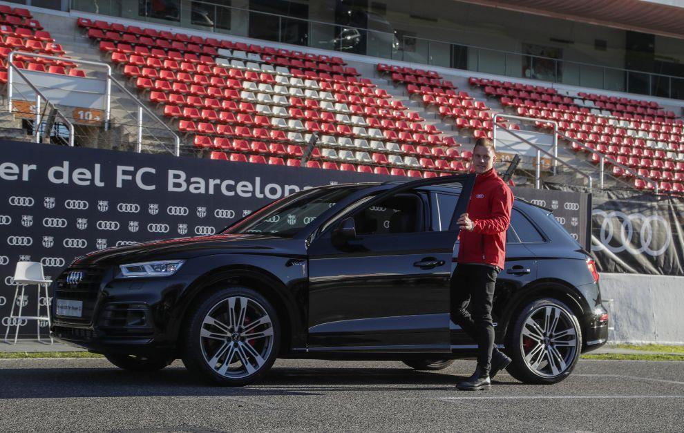 Duong ai nay di, Audi doi lai xe sang da tang cac cau thu Barcelona hinh anh 7