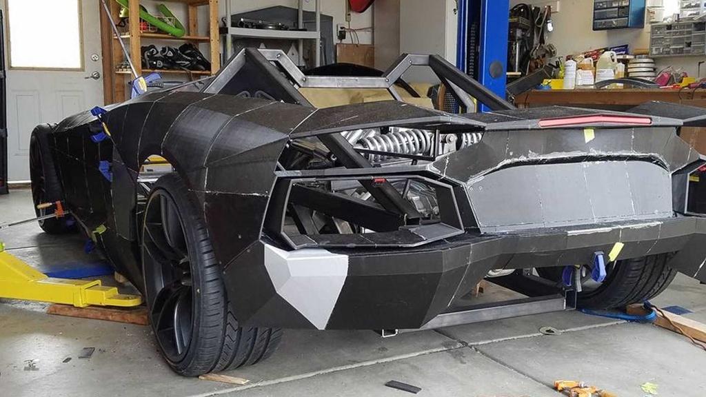 Tu che Lamborghini cho con, ong bo duoc tang sieu xe that hinh anh 4 4.jpg