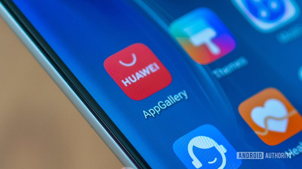 Huawei dang bi cam van, Huawei dang kho khan nhu the nao, Huawei song nhu the nao trong lenh cam van anh 2