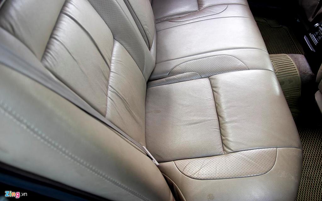 Toyota Crown - 'Xe cho VIP' nhung nam 90 co gi dac biet? hinh anh 7