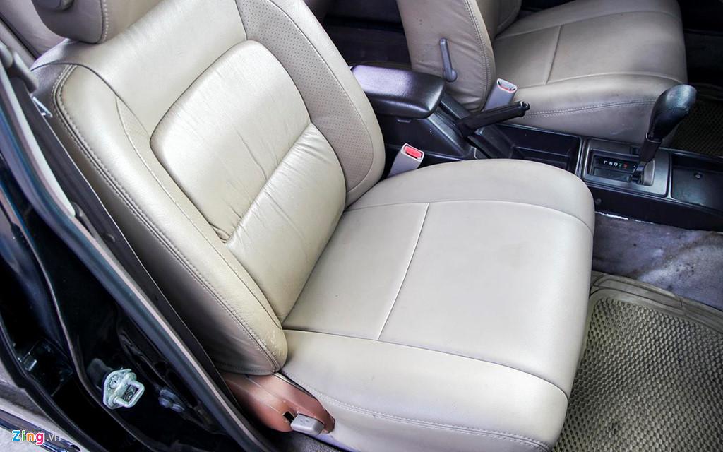 Toyota Crown - 'Xe cho VIP' nhung nam 90 co gi dac biet? hinh anh 8