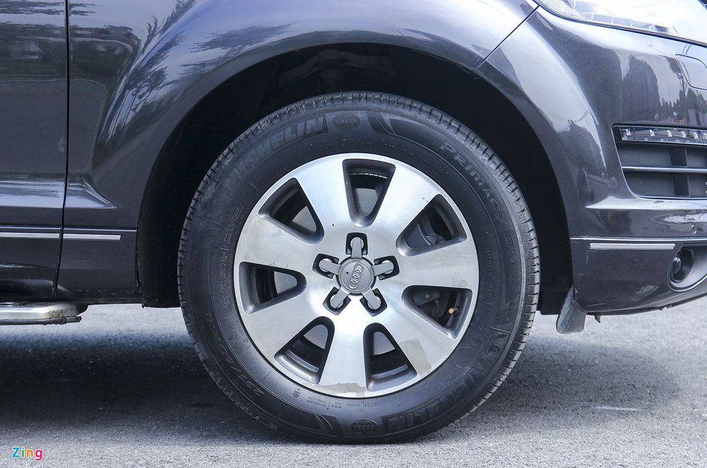 Audi Q7 10 nam tuoi, gia tuong duong Honda CR-V hinh anh 2