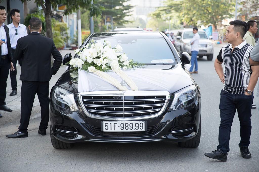 Dan xe Rolls-Royce, Maybach xuat hien trong le cuoi Bao Thy hinh anh 5