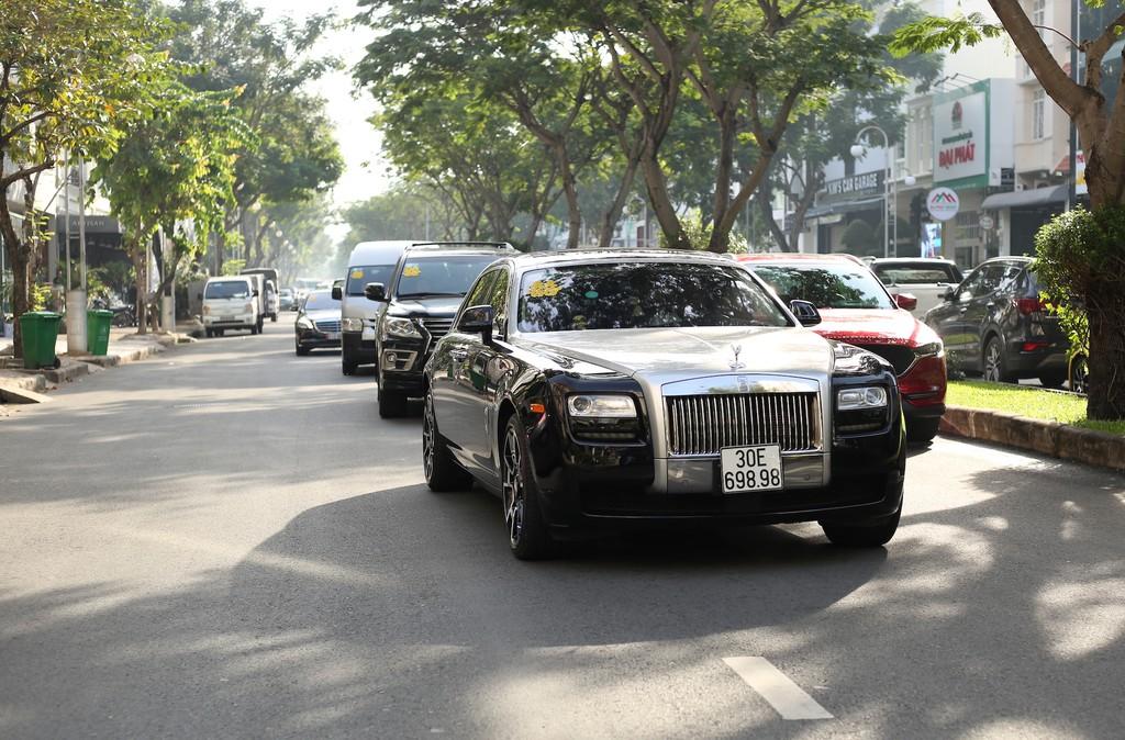 Dan xe Rolls-Royce, Maybach xuat hien trong le cuoi Bao Thy hinh anh 4