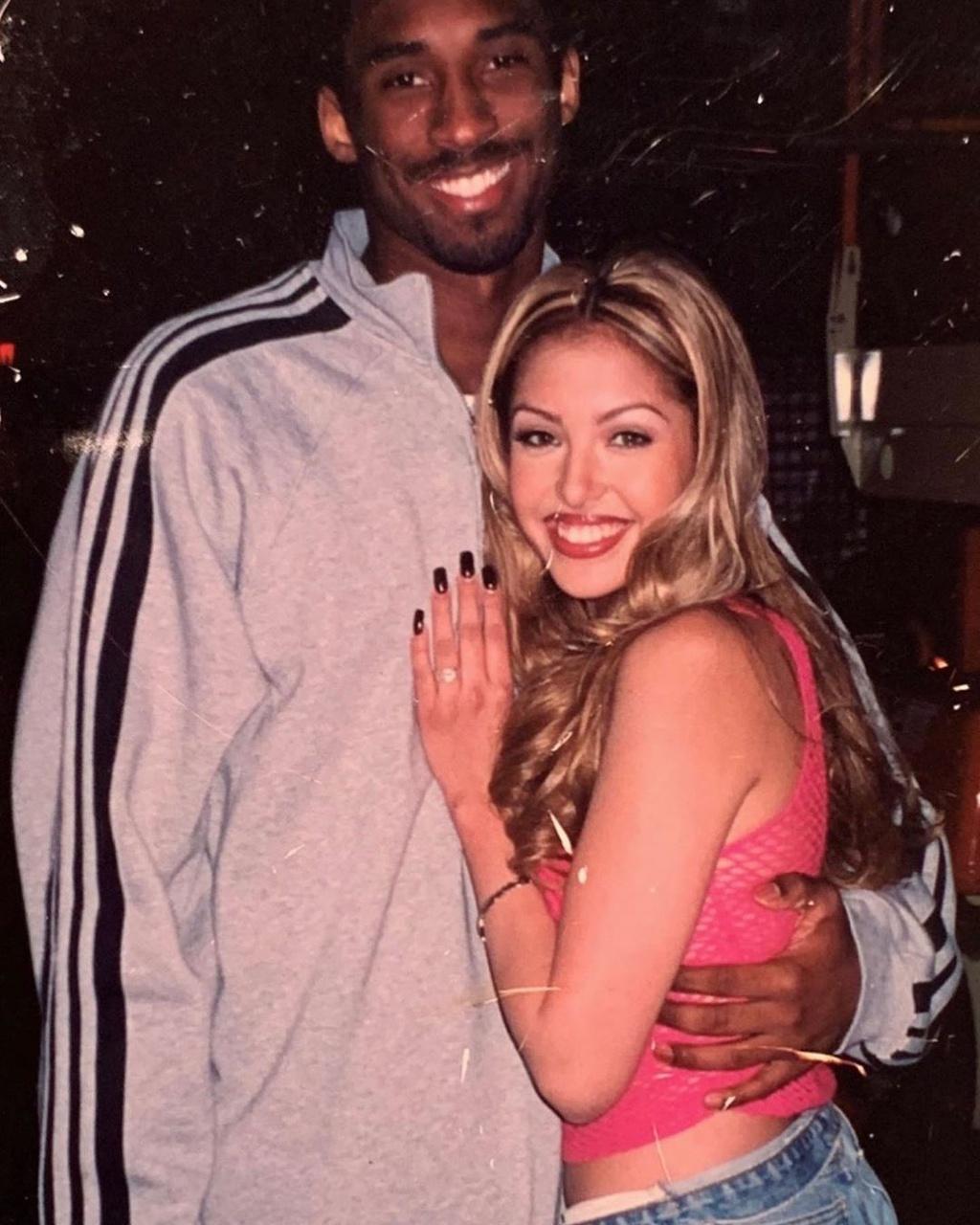Chuyen tinh 20 nam cua sieu sao Kobe Bryant va nguoi mau vo danh hinh anh 2