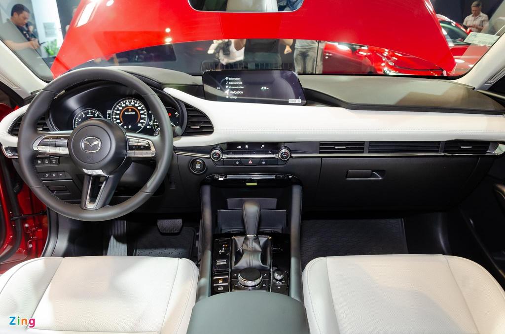 Chon Mazda3 1.5L Deluxe hay Kia Cerato 2.0 Premium voi 700 trieu dong? hinh anh 9 Mazda3_sedan_Zing_19_.jpg