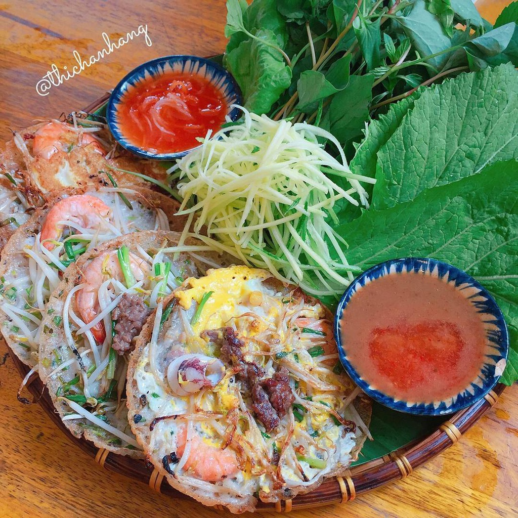 Banh xeo va 5 mon an mien Trung hut khach tai TP.HCM hinh anh 5 2._1_thichanhang.jpg