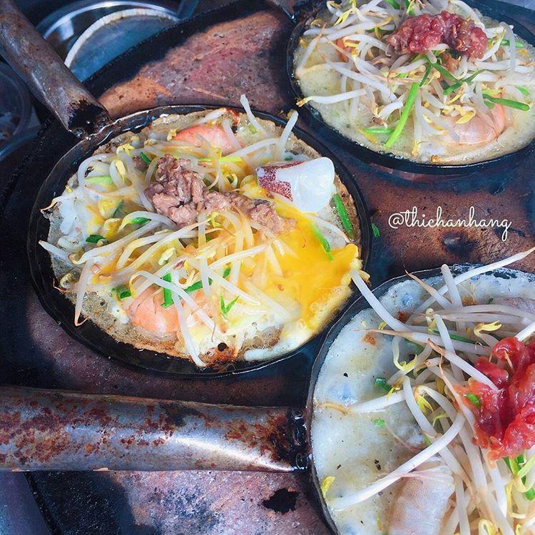 Banh xeo va 5 mon an mien Trung hut khach tai TP.HCM hinh anh 6 2._thichanhang.jpg