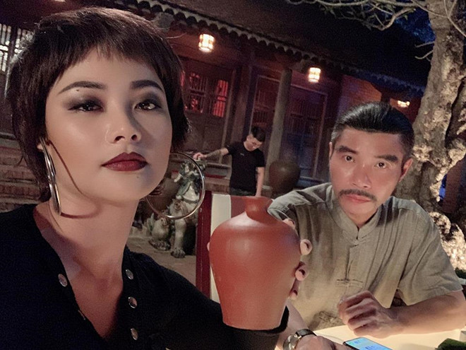 Loat anh tao bao khoe ve sexy cua con gai trum ma tuy phim 'Me cung' hinh anh 1